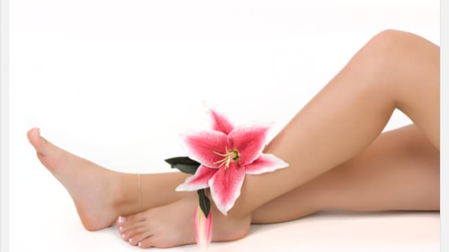 Crimson Nails and Spa offers Waxing Service